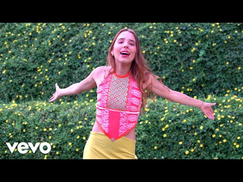 Majo Aguilar - Me Vale (Video Oficial)
