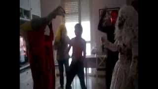CON LOS TERRORISTAS...... Harlem Shake (Halloween goa)