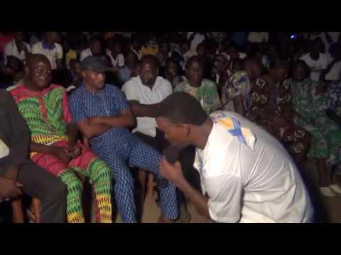 GBEZE imite la voix de son papa ALEDO lors des activités culturelles 2016 du CEG OUEDEME