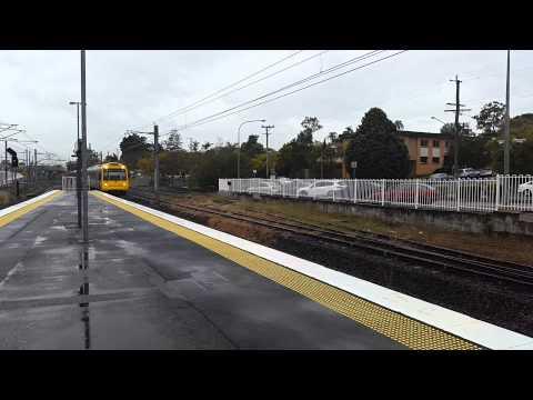Queensland Rail IMU107 & IMU102 express through Yeerongpilly.