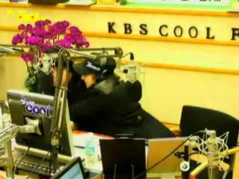 111219 Sukira - Sungmin Hugging Ryeowook ^_^