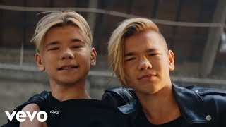 Смотреть клип Marcus & Martinus - Make You Believe In Love
