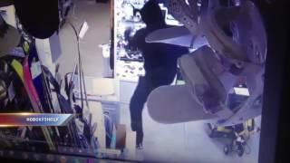 Житель Новокузнецка ограбил ломбард(, 2016-11-29T11:56:49.000Z)