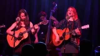 Della Mae \ No Expectations \ Port City Music Hall