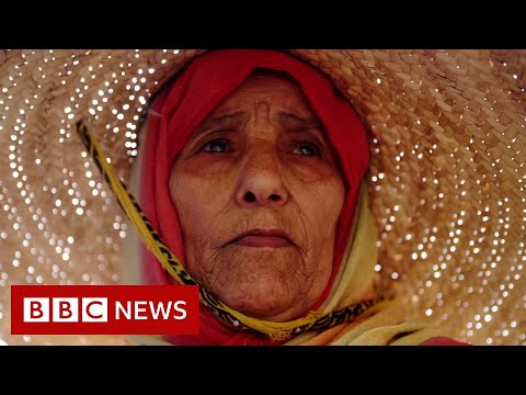 Inside a dangerously divided 'city of snipers' – BBC News