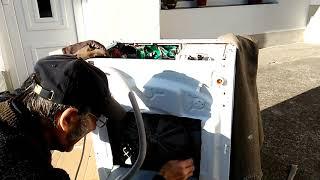 """Jak """"ne"""" opravit ložiska v pračce Whirlpool 9 let staré"""