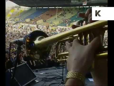 Boo Radleys Perform Wake Up Boo at 1995 Féile Festival