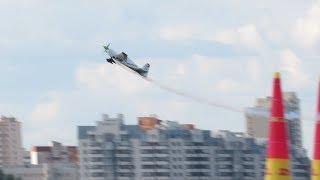Первый день авиагонок Red Bull Air Race в Казани: многолюдная набережная и как устроен пилон