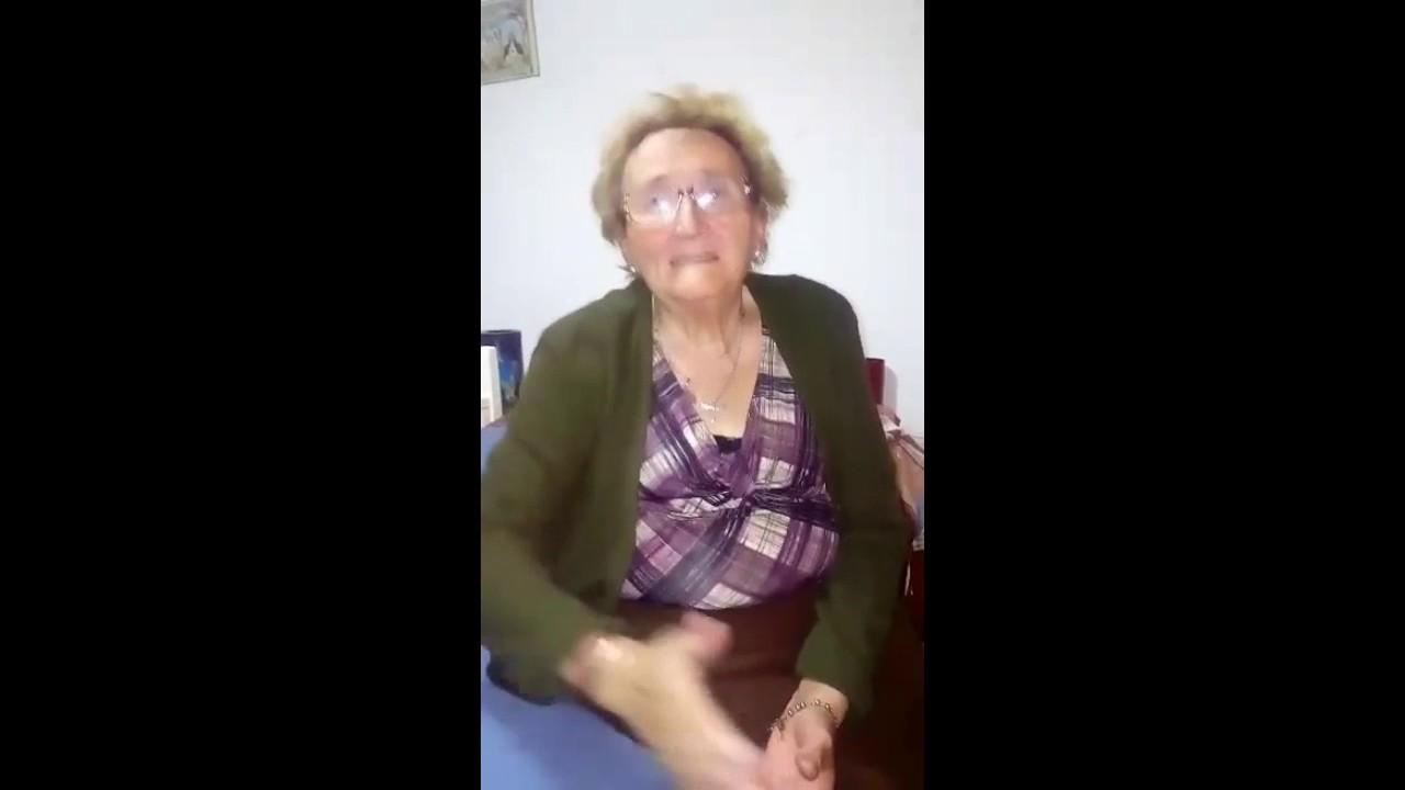 Chispita La Abuela Cumbiera Un Saludo Muy Especial - YouTube