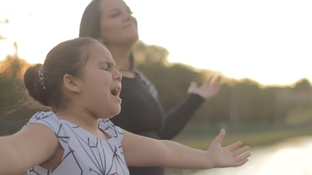 Você tem que ver essa dupla cantando - Soldado ferido  - (cover) Andressa Vyctoria e Helia Freitas