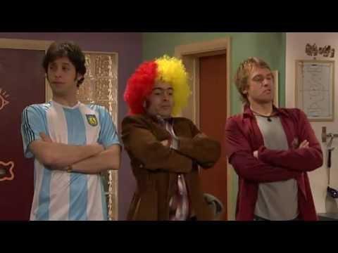 12 Extra English - Football Crazy - vinbom.com