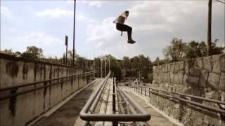 Repeat youtube video Parkour profesional