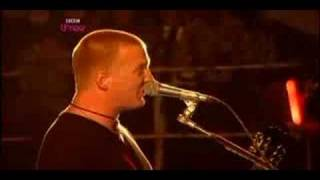 Queens of the stone age - Little sister [Reading 08]