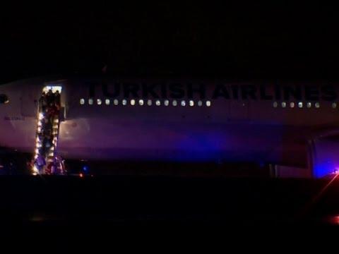 Raw: Turkish Jet Resumes Flight After Bomb Scare