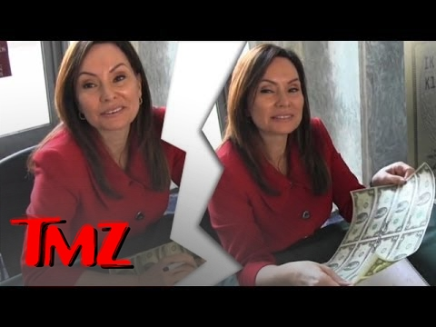 Meet The Woman That Signs Your Money! | TMZ