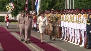 القائد العام للقوات المسلحة وزير الدفاع والإنتاج الحربى يلتقى وزير القوات المسلحة الفرنسى