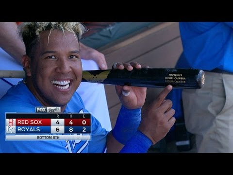 BOS@KC: Perez hits go-ahead slam using Miggy's bat