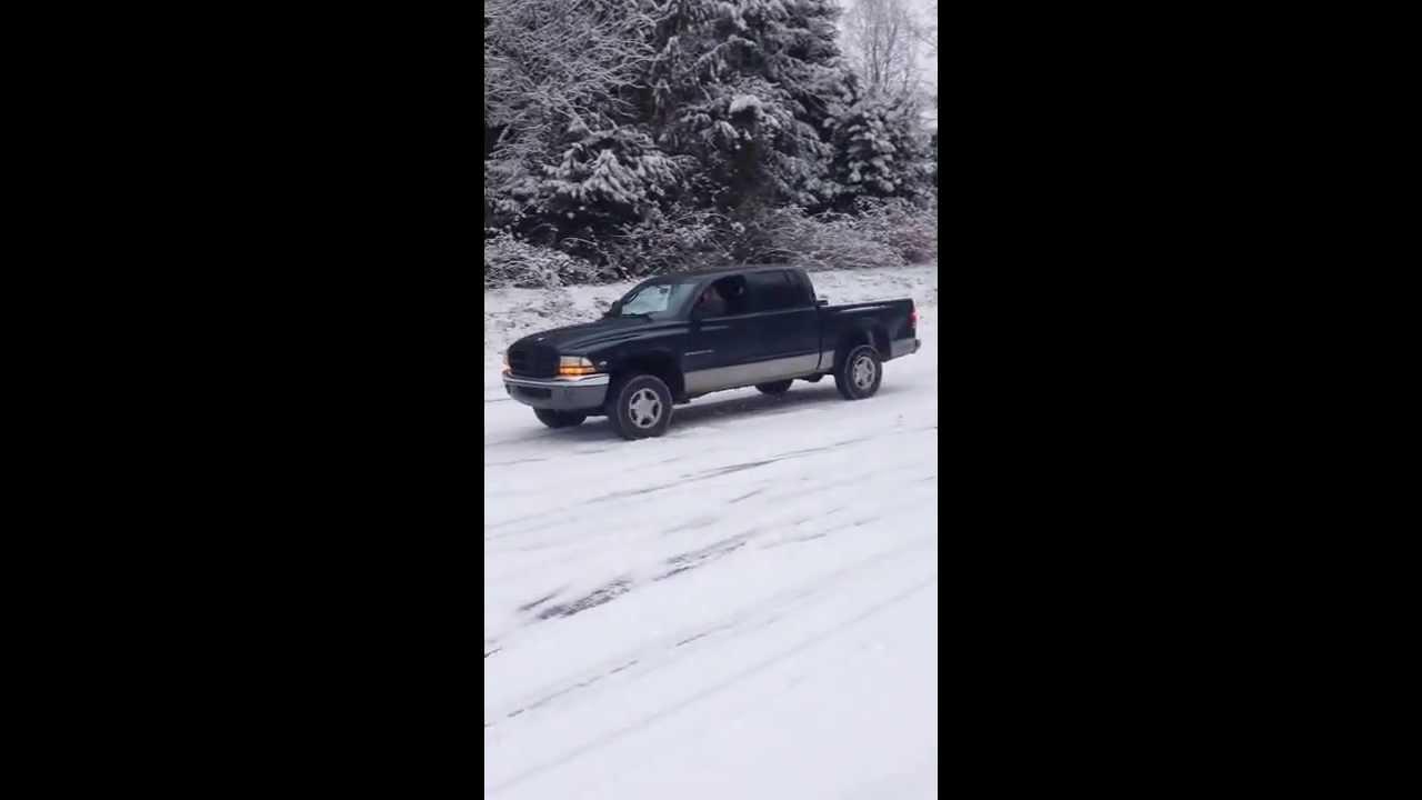 2000 Dodge Dakota 5 9 4x4 with 5 speed nv3500 swap