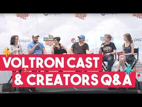 VOLTRON at SDCC: Bex Taylor-Klaus, Tyler Labine and the Show Creators at FANDOMFEST