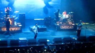 Hollywood Undead- Dead In Ditches Live at the Wiltern