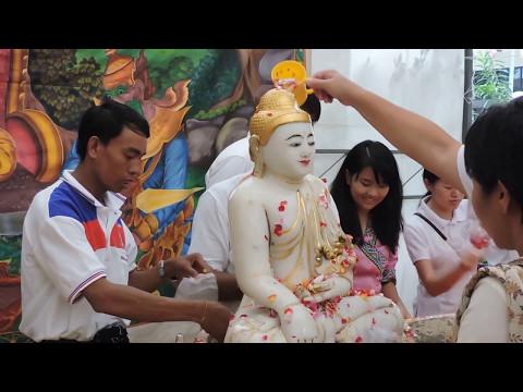 Vesak Day 2017 : Lord Buddha's Birthday Celebration in Singapore