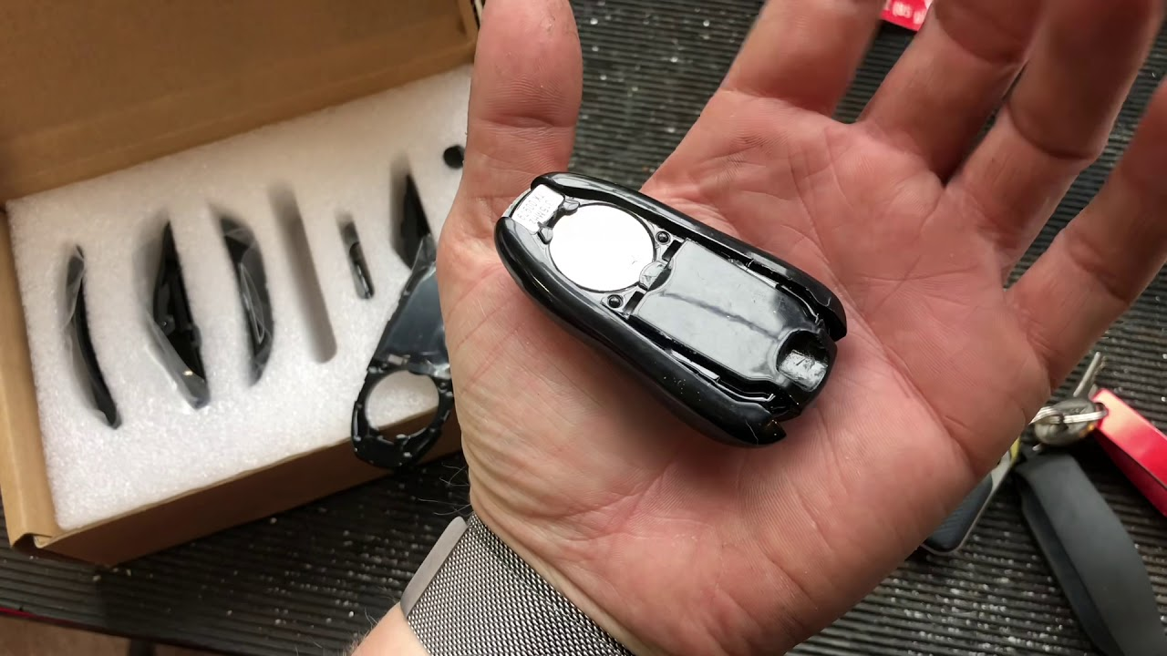 How to rebuild and replace the shell on your Tesla model S or X key fob