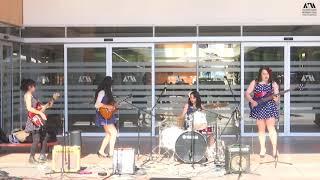 Huma Guma Surf Band Girls