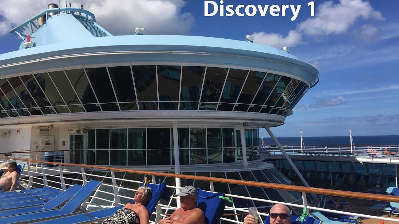 TUI Thomson Discovery Cruise Ship & Sea Breeze Beach Hotel ...