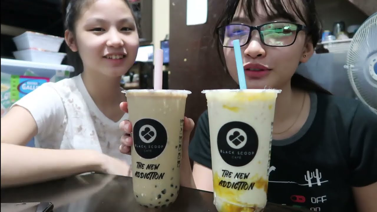 MILK TEA AND MANGO FRAPPE MUKBANG | Aurea & Alexa WonderClips