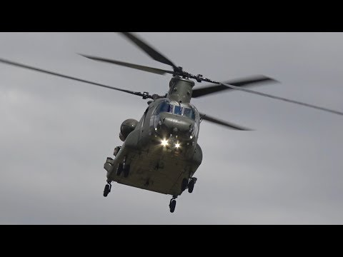Boeing Chinook CH-47 HC2 Royal Air Force RAF flying Display RIAT 2017 AirShow