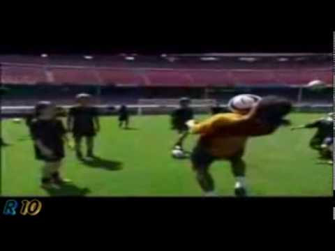 Ronaldinho Freestyle - Best Tricks
