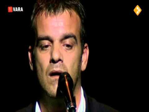 Jeroen Willems zingt JoJo van Brel