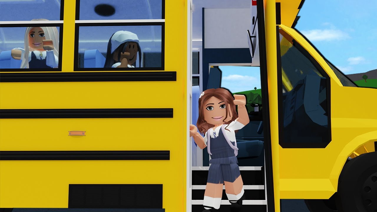 MY DAUGHTERS FIRST SCHOOL TRIP | Bloxburg Family Roleplay