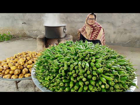 MIRCH BHAJJI RECIPE (VERTICAL VIDEO) | MIRCH VADDA RECIPE | INDIAN SNACKS | VEG RECIPES | POTATOES thumbnail
