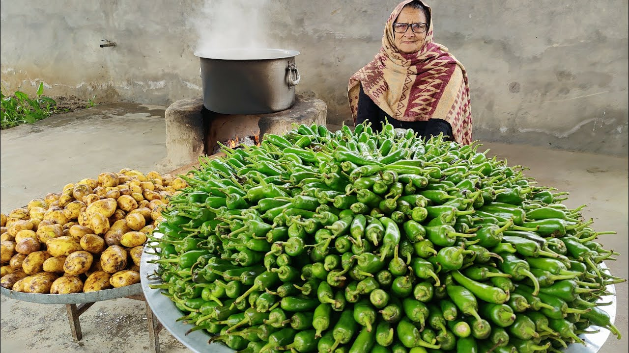 MIRCH BHAJJI RECIPE (VERTICAL VIDEO) | MIRCH VADDA RECIPE | INDIAN SNACKS | VEG RECIPES | POTATOES