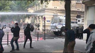 Paris : heurts entre la police et groupes radicaux en marge de la manif'