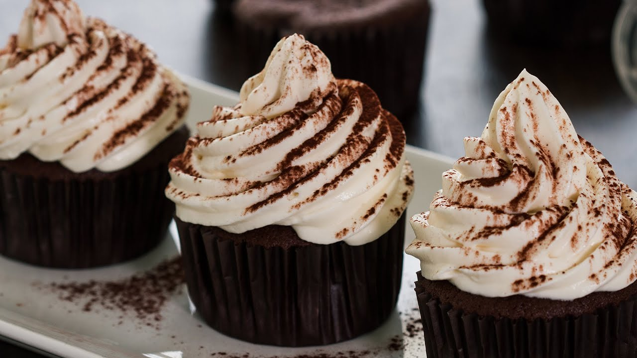 delicious chocolate cupcakes