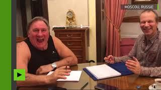 «Tu l'aimes, lui ?» : Gérard Depardieu apprend le russe