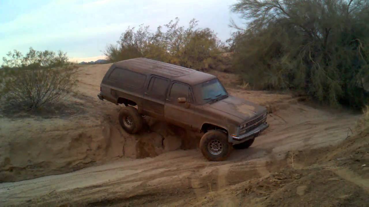 1989 Suburban slight articulation (New lift and tires ...