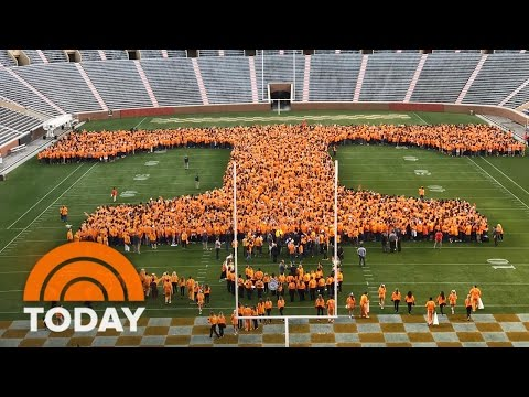 Rokerthon 3: University Of Tennessee Sets Record For Largest Human Letter | TODAY