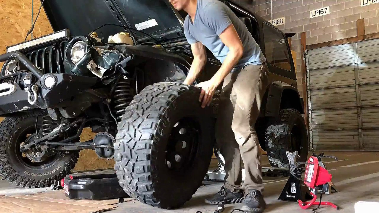 Download Rebuilding wrecked Jeep Wrangler TJ part 1