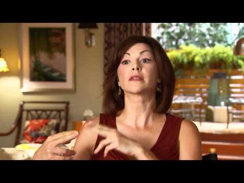 Amy Pietz Talks Big Secret on 'Nine Lives'