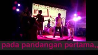 Download lagu PINEAPPLE-DEMAM(DERITA MALAM MINGGU)