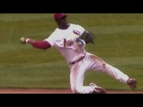 2004 NLCS Gm6: Renteria dives, gets force out at second