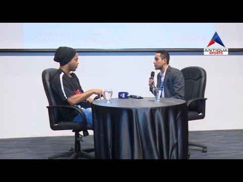 Entrevista de Juan Quinto a Ronaldinho en Guatemala para Antigua Sports
