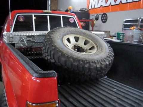 Toyota 4x4: Bed Mount Angled Spare Tire Carrier - YouTube