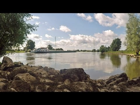 Walkin' Holland - Voorst, the River IJssel & Castle Nijenbeek [August 14, 2016]