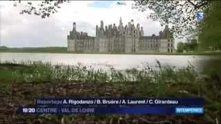 Insolite : Chambord entouré d'eau