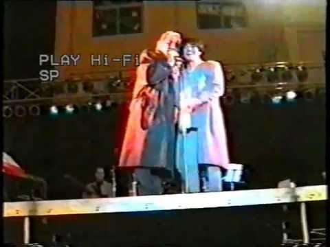 Mia Martini si incazza con un signore che la chiama 'Mina' (penultimo concerto - 1995)
