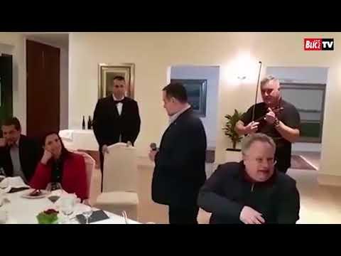 Dačić pjeva na grčkom